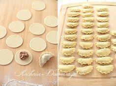 5 Pierogi, Cookies, Desserts, Food, Polish Food Recipes, Crack Crackers, Tailgate Desserts, Deserts, Biscuits