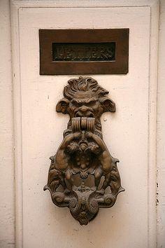 The Door Knobs of Malta | von peace-on-earth.org