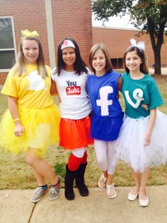 me and my friends this halloween dressed like our favorite social media - Halloween Social Ideas