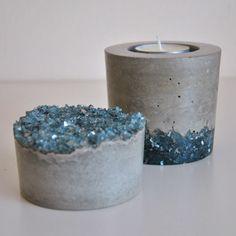 using cement Conjunto de Porta Velas y Pisapapeles. Concrete Bowl, Concrete Art, Concrete Crafts, Concrete Projects, Diy Projects, Concrete Candle Holders, Cement Art, Papercrete, Crushed Glass