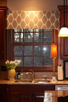 New Kitchen Window Over Sink Valances Tension Rods Ideas Shabby Chic Kitchen Curtains, Cocina Shabby Chic, Kitchen Valances, Window Over Sink, Bay Window, Kitchen Window Treatments, Decoration, Home Projects, Home Remodeling
