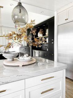 Kitchen Items, New Kitchen, Kitchen Dining, Kitchen Decor, Condo, Transitional Decor, Living Room Grey, Layout, Home Interior Design