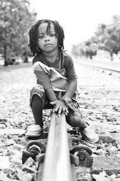 13 Cute Photos That Will Convince You To Give Your Baby Dreadlocks Black Boy Hairstyles, Dread Hairstyles, Beautiful Children, Beautiful Babies, Kids With Dreadlocks, Baby Dreads, Little Black Boys, Toddler Haircuts, Boy Haircuts