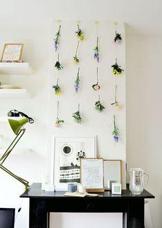 DIY: Hanging Flowers Wall