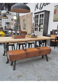 Industrial Style Furniture, Industrial House, Banquettes, Wooden Nickle, Gym Room At Home, Rustic Home Interiors, Boho, Decoration, Decor Styles