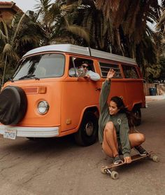 That skateboard/vw bus combo is definitely the only thing we need in life 🚌 cruising through Carpinteria in our olive crewneck. Beach Aesthetic, Summer Aesthetic, Vw Caravan, Summer Goals, Van Life, Skater Girls, Longboarding, Foto Pose, Friend Goals