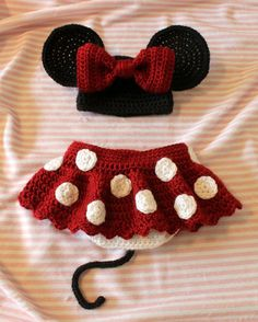 Crochet Newborn Minnie Mouse Outfit.