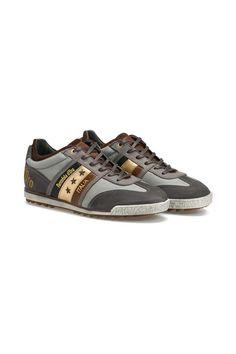 Die stilvollen Details und das hochwertige Leder dieser Pantofola d'Oro Sneaker symbolisieren den