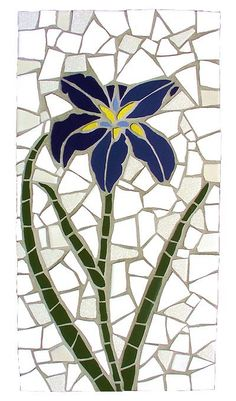 Kailey Peterson - These shapes are more organic since they are not definite geometrical shapes Mosaic Garden Art, Mosaic Tile Art, Mosaic Flower Pots, Mosaic Pots, Mosaic Artwork, Pebble Mosaic, Stone Mosaic, Mosaic Glass, Mosaics