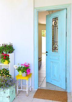 רוצים שינוי: בית שקיבל לוק צבעוני ומדליק | בניין ודיור