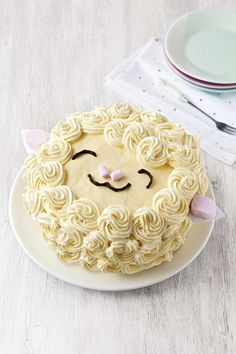 Sheep with buttercream swirl decoration - Baa Baa cake recipe, perfect for Easter baking.