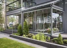 Detached house with breathtaking glass terrace - E Outdoor Rooms, Outdoor Gardens, Outdoor Living, Hillside Landscaping, Outdoor Landscaping, Scandinavian Garden, Sun House, Terrace Design, Terrace Garden