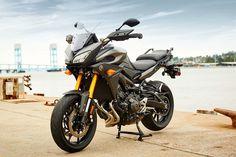 2015-Yamaha-MT-09-Tracer