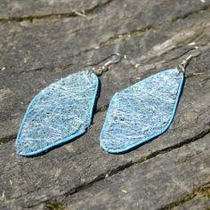 Boucles d'oreilles en paille: losanges turquoises Turquoise, Fibres, Drop Earrings, Jewelry, Diamond Shapes, Ears, Boucle D'oreille, Locs, Bijoux