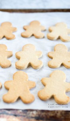 paleo sugar cookies (made with raw cashews, coconut flour, tapicoa flour and sweetened with honey)