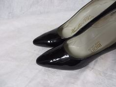 Vintage 50s Shoes High Heels Pumps Shiny Patent Leather Pinup Rockabilly Sexy #NewtonElkin #Heels #Everyday