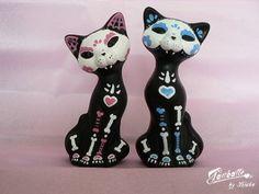 Sugar skull cat sculptures (2)