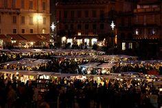 Con l'arrivo del Natale le piazze si riempiono di mercati gastronomici: eccone quattro da non perdere se siete a Siena e dintorni nel mese di dicembre.