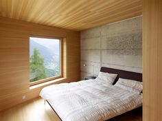 Image 10 of 18 from gallery of Chalet, Val D'hérens / Savioz Fabrizzi Architectes. Photograph by Thomas Jantscher Chalet Interior, Interior Design, Architecture Design, Swiss Chalet, Swiss Alps, Journal Du Design, Wood Cladding, Bedroom Images, Construction