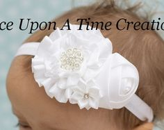 Baby Hair Bows, Ribbon Hair Bows, Ribbon Work, Satin Flowers, Diy Flowers, Fabric Flowers, Tea Party Hats, Diy Headband, Baby Girl Headbands