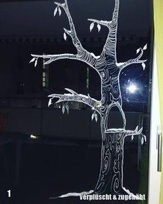 Window of Advent Calendar Christmas Cartoons, Christmas Owls, New Years Decorations, Christmas Decorations, Window Markers, Faux Stained Glass, Chalk Drawings, Window Art, Chalk Art
