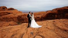 Plan your wedding day at a beautiful destination Valley of Fire