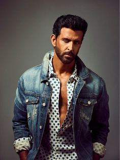 Fashion Days for street boys. How to get a LinkedIn Business Look. Bollywood Stars, Hrithik Roshan Hairstyle, Sleeveless Denim Shirts, Fashion Days, Mens Fashion, Bollywood Pictures, Poses For Men, Ali Larter, Tiger Shroff