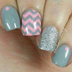 Pink & grey nail art, zig zag