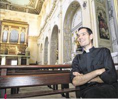 Photo Serge Guéroult Nous souhaitons un joyeux anniversaire au Père Bastien Romera, qui fête demain ses 30 ans.