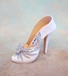 Fondant /gumpaste shoe cake topper by cakedreamsbyiris on Etsy, $55.00