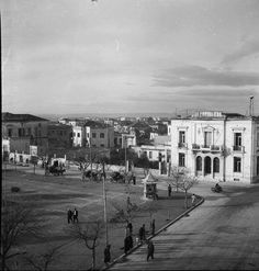 1950 ~ Larissa (Thessaly) Old Photos, Vintage Photos, Greek History, History Of Photography, Athens Greece, Historical Photos, The Past, Places To Visit, Street View