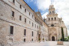 El frente de la fachada del monasterio de La Vid, declarado Bien de Interés Cultural, es una de las obras más singulares del barroco castellano