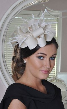 Julie Nude Fascinator