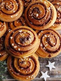 Cinnamon rolls (roulés à la cannelle faciles) : Recette de Cinnamon rolls (roulés à la cannelle faciles) - Marmiton