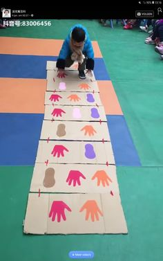 Team building is an important quality that needs to be vaccinated in childhood. Team building activities or games are interesting and constructive ways to help children understand teamwork, cooperation, brotherhood and develop Creative Te