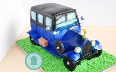 1920 Silver Ghost Car Cake - Cake by Znique Creations Truck Cakes, Car Cakes, Motorcycle Cake, Gravity Defying Cake, Love Cake, Beautiful Cakes, Cake Designs, Cake Decorating, Designer Cakes