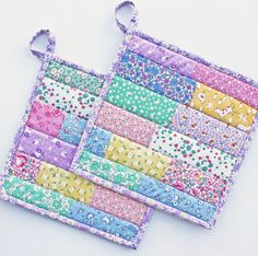 Items similar to Floursack Frenzy - Handmade Quilted Potholders from Reproduction Prints on Etsy - patchwork - Couture Mug Rug Patterns, Potholder Patterns, Quilt Block Patterns, Sewing Patterns, Easy Sewing Projects, Quilting Projects, Sewing Crafts, Small Quilts, Mini Quilts