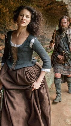 To the rescue! Claire & Murtagh | Outlander S1bE14 'The Search' on Starz | Costume Designer TERRY DRESBACH