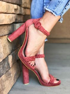 PINK BLUSH SUEDE OPEN TOE WEAVE STRAP AND ANKLE STRAP CHUNKY HIGH HEELS MEASURES 4.5INCHES