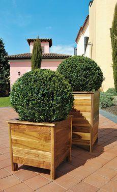 Mit diesen genialen Pflanzkübeln sehen deine Pflanzen im Garten super edel aus. Und das Beste ist: Du kannst die Pflanztöpfe selbst bauen. Wir zeigen, wie es geht.