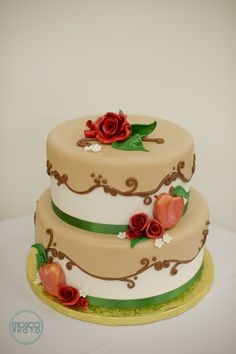 Marry Me 2013, Cake designed by White Rose Bakery. To see more of the event go to http://www.marrymeevent.com/