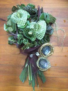 Flaxd Flax Weaving, Flax Flowers, Maori Designs, Flower Bouquet Wedding, Bridal Bouquets, Maori Art, Rose Arrangements, Flower Crafts, Fiber Art