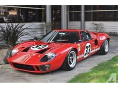 is a beast worth talking about. 1966 - Now this is a beast worth talking about. 1966 - Now this is a beast worth talking about. Making a quick getaway - KingzMotors Us Cars, Sport Cars, Race Cars, Ford Motor Company, Retro Cars, Vintage Cars, Ford Gt40 For Sale, Escuderias F1, Dream Cars