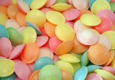 500 Flying Saucers, £14.95