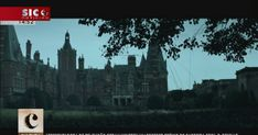 """A """"Casa Torta"""" conta no elenco com Glenn Close e Max Irons, filho de Jeremy Irons. A morte do abastado patriarca de uma família grega radicada em Inglaterra  desencadeia a história escrita por Agatha Christie em 1949. http://sicnoticias.sapo.pt/cultura/2017-12-18-A-Casa-Torta-baseado-num-romance-de-Agatha-Christie-nos-cinemas"""