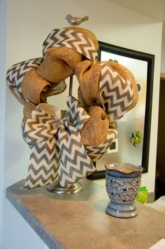 how to make a bow for a wreath | how to make a mesh wreath | Snap. Eat. Run.