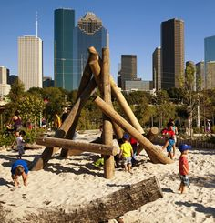 Buffalo Bayou Park playground, Houston, Texas / Mommy Nearest