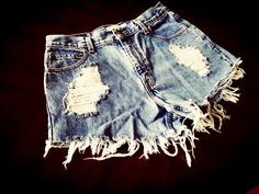 Denim shorts / summer style / fashion / street style / fall fashion / denim / blogger / stylist / Nashville style / beach style / trendy / women's fashion