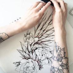 свободный эскиз #эскизтату #набросок #эскиз #роза #tattoo #tattoo2me #tattooart #tattoopins #tattooblack #tattooartist #tattoomoscow #tattsketches #tattooinrussia #blxckink #blacktattoo #flowertattoo #graphictattoo #womantattoo #ink #dark #anemon #wowtattoo #blacktattooart #blackworkerssubmission #blackwork #artwork #inkstinctsubmission #Equilattera #sculltattoo #inkstinctsubmission #wings