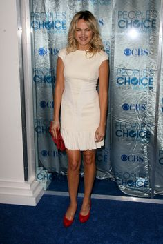 Celebs wow in white at the 2011 Peoples Choice Awards